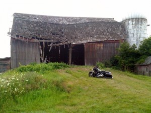 The old barn at Magdalena Vineyards, with the vineyard manager's motocycle in foreground