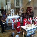 The posse of priest around the Bishop of Dijon for the mass of la Saint Vincent Tournante