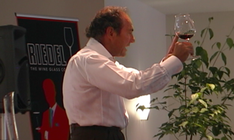 Georg Riedel presents a tasting seminar in 2010. Photo: Brian Reider