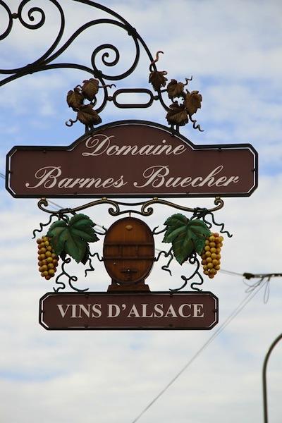 barmes-buecher-signage