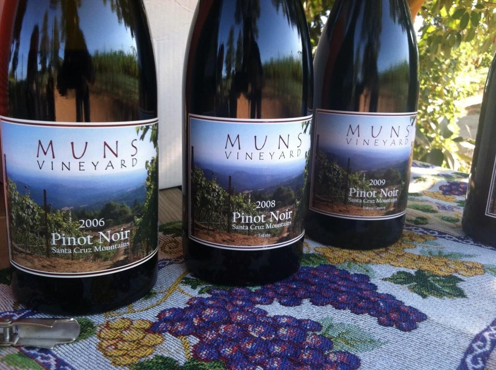 Muns Pinot bottles