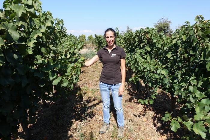 Martta Reis Simões in the vineyard