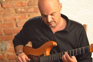 Luca Formentini guitar