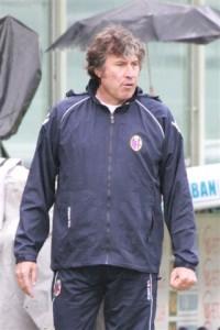 Malesani coaching for Bologna FC in 2011 (photo: Roberto Vicario/Wikimedia Commons)